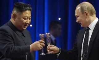 Kim ja Putin kõlistasid Vladivostokis šampanjaklaase