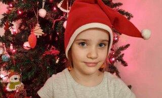 """""""Трогает до слез"""". Семилетняя девочка пожертвовала свои накопления на лечение больных раком"""