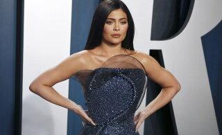 KUUM KLÕPS | Fantaasiale ruumi ei jäta! Kylie Jenner tähistas sünnipäeva alasti pildiga