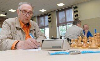 Sidus lapsed mõttespordi külge. 81-aastasena lahkus malepedagoog Vello Kiiver