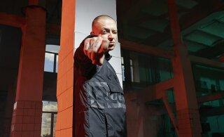 Рэпер Oxxxymiron объявил об уходе с лейбла и отказе от главных хитов