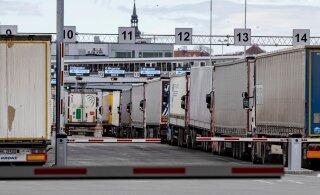 ФОТО | В портах Таллинна и Хельсинки образовались очереди из фур