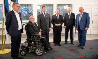 ФОТО и ВИДЕО: Ратас встретился с Сависааром и другими бывшими премьер-министрами. Реформисты и Март Лаар на встречу не пришли
