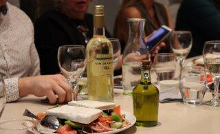 ФОТО | Ресторан Oia в Старом городе: за греческой кухней теперь не обязательно ехать в Грецию!