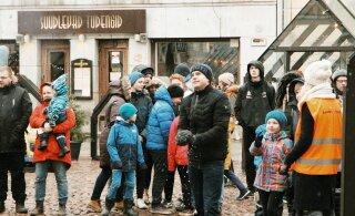 FOTOD | Tartu raekoja platsil toimus suur heategevuslik lumepallitrall