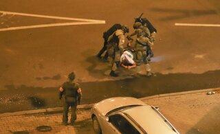 ВИДЕО | Киберпартизаны взломали онлайн-трансляцию белорусских госканалов — и показали видео избиения протестующих