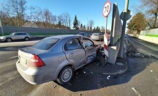 ФОТО | В центре Таллинна столкнулись два автомобиля, одного человека доставили в больницу