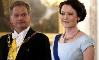 FOTO | Õhtu täht! Soome esileedi tuli presidendiballile vana kleidiga, mis on kavalalt ümber tehtud