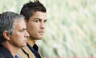 Endine maailma parim jalgpallur tülist Ronaldo ja Mourinho vahel: Ronaldo oli pisarate äärel