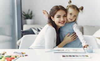 """""""Похвалим ребенка!"""": всех родителей призывают обнять своих детей 1 июня в 11.11"""