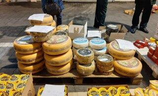 ФОТО | Европейский сыр не пройдет! 1,5 тонны еды из ЕС сожгли на Выборгской таможне