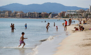 В Испании открыли пляжи для купания