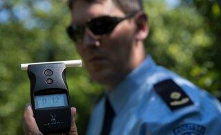 За прошедшие сутки полиция задержала более 30 водителей в нетрезвом состоянии