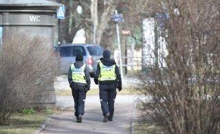 При проверке соблюдения требования пребывания дома полиция оказывает помощь всем нуждающимся в ней людям