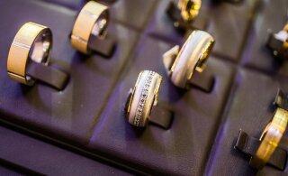 В Латвии — свадебный бум среди пенсионеров; число новых браков выросло почти вдвое