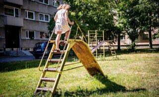 Tarbijakaitse tuvastas järelkontrolli käigus üle Eesti ligi 75 kehvas seisukorras mänguväljakut
