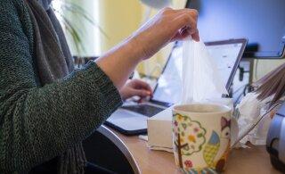 Исследование: чаще других ходят на работу больными работники общепита и начальники