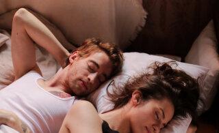 Siin on põhjused, miks sa peaksid magama vasaku külje peal