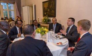 FOTOD   Ratas kohtumisel ÜRO saadikutega: digipööre on väikeriikide võimalus