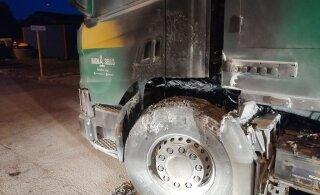 ФОТО: Полиция задержала мужчину, подозреваемого в поджоге мусоровозов и ангара