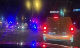ВИДЕО | В начале шоссе Таллинн-Тарту столкнулись два автомобиля: трое пострадавших, движение нарушено