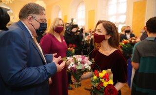 FOTOD | Minister Liina Kersna kandis täna ametivannet andes üht väga erilist päritolu kleiti
