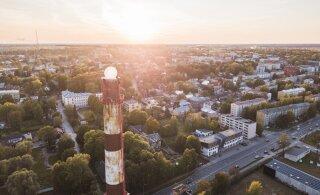VIDEO ja FOTOD | Ahhaa korraldas supereksperimendi ja pani katlamaja katusele hõljuma 4-meetrise läbimõõduga palli