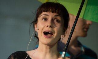 VAATA | Näitlejatar Maarja Mitt pidas maha hingematvalt romantilised pulmad