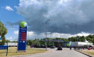 Отсутствие нарвитян на заправках и в магазинах Ивангорода стало страшным ударом. Зато коронавируса нет!