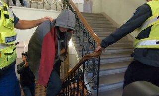 ФОТО ИЗ СУДА | Подозреваемый в убийстве Юлле и его жертва были знакомы