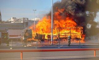 ФОТО И ВИДЕО | В Таллиннском порту прогремели несколько взрывов. Дотла сгорела фура