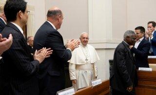 Paavst pani energiahiidudele südamele, et võitluses kliimamuutustega on aeg otsa saamas