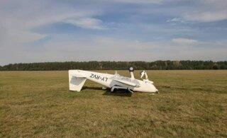 На литовском аэродроме самолет неожиданно перевернулся, пилотов доставили в больницу