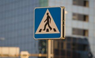 В Мустамяэ на пешеходном переходе сбили 10-летнего ребенка на самокате