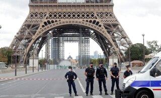 Посетителей Эйфелевой башни эвакуировали из-за угрозы взрыва