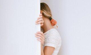 Andestamine, liigselt kartmine, vägivalla talumine — asjad, mida 30+ vanuses naised kõige rohkem oma minevikust kahetsevad
