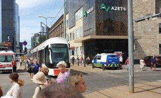 ФОТО | На Тартуском шоссе резко затормозил трамвай — пострадала пассажирка