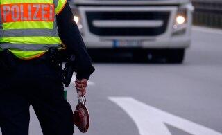 В Германии грузовик с нетрезвым эстонским водителем вынесло с дороги. Полиция нашла в машине пивные бутылки