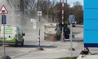 ВИДЕО | Читатель RusDelfi: столько пыли, невозможно рядом находиться — город так убирает улицы?