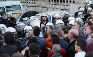 Массовые акции протеста в Белграде. Демонстранты требуют отставки президента Вучича