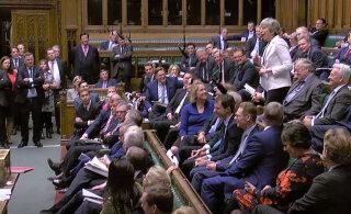 """В Лондоне проходит экстренное заседание парламента по """"Брекзиту"""""""