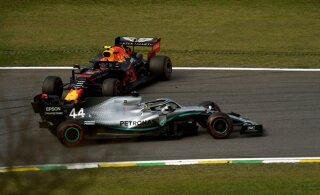 Noorelt Red Bulli sõitjalt elu esimese poodiumikoha röövinud Hamilton: tegin tohutult suure vea
