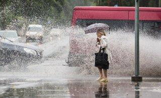 Vihmasombuste päevade võidukäik jätkub terve nädala jooksul, oodata on ka äikest