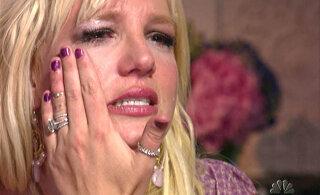 Popprintsessi uus langus: kas Britney Spears pandi jõuga vaimuhaiglasse?
