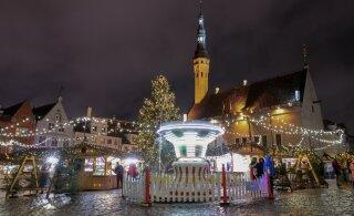 ГАЛЕРЕЯ | На таллиннской Ратуше зажгли рождественские огни и открыли рынок