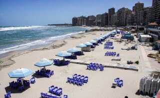 В Египте при попытке спасти ребенка в Средиземном море утонули 10 человек