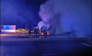 ГЛАВНОЕ ЗА ДЕНЬ: На шоссе сгорели фура и легковушка, полиция применила силу при задержании агрессивного мужчины