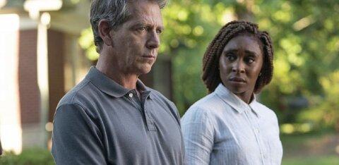 """Nädala filmi - ja seriaalisoovitused: Stephen Kingi õudusseriaal """"Kõrvalseisja"""" ja Hugh Laurie ulmekomöödia """"Avenüü 5"""""""