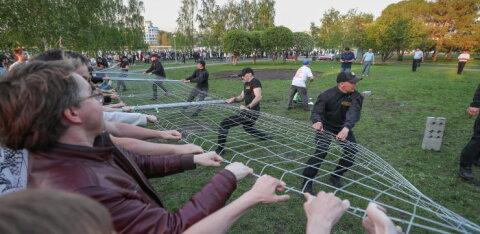 Планы строительства церкви на месте сквера в Екатеринбурге вызвали массовую акцию протеста с применением насилия