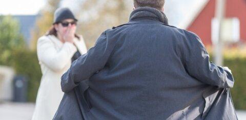 Мужчину заклеймили в социальных сетях педофилом. Но все оказалось совсем не так